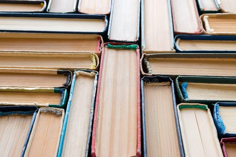Винтажные книги в твердом переплете стоковое изображение