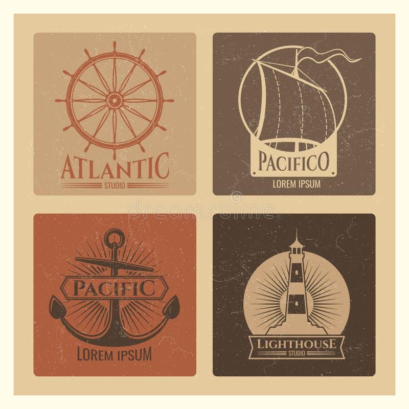 Винтажные морские ярлыки с маяком, шлюпкой моря и анкерами бесплатная иллюстрация