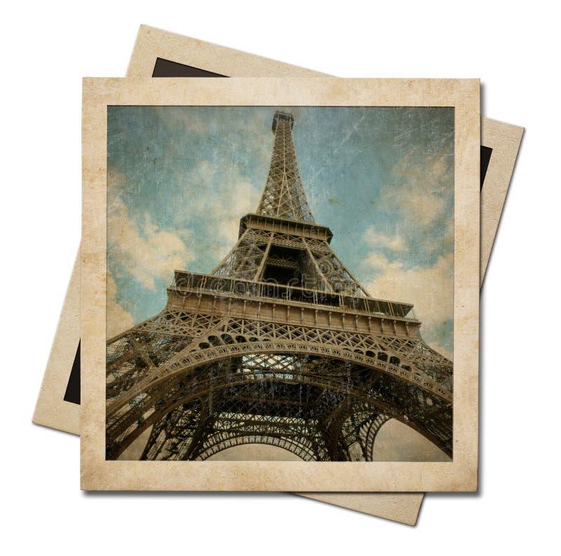 Винтажные немедленные рамки бумаги фото при изолированная съемка Эйфелевой башни бесплатная иллюстрация