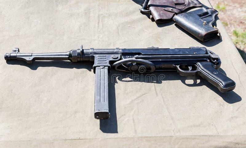 Винтажные огнестрельные оружия немецкий submachine пушки mp40 стоковое изображение rf
