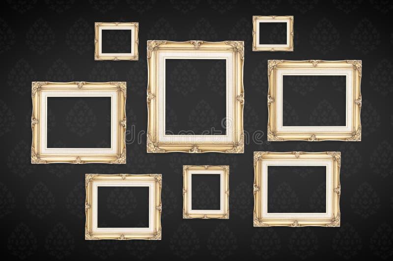 Винтажные рамки фото с тайской картиной на черной предпосылке, Templ стоковая фотография