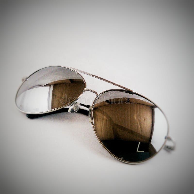 Винтажные солнечные очки стоковые фотографии rf