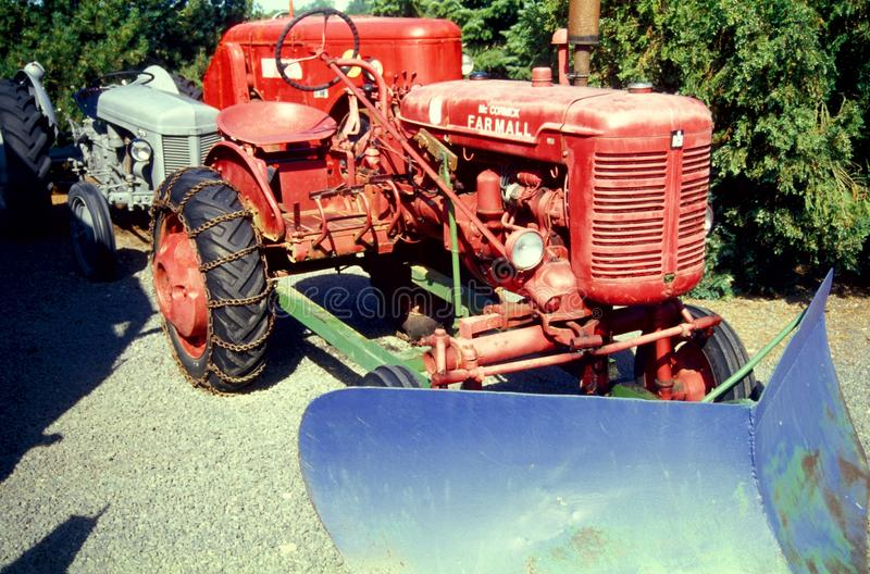 Винтажные тракторы стоковые фотографии rf