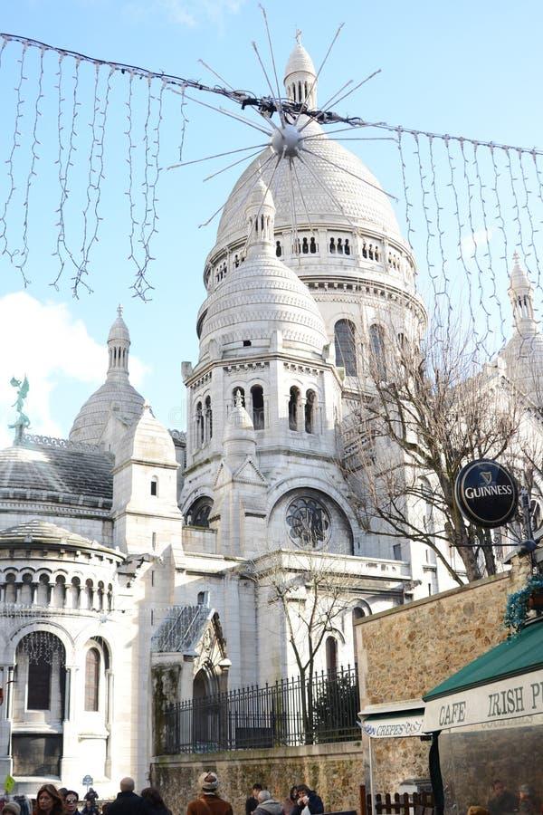 Винтажные фасады здания в Париже стоковое фото