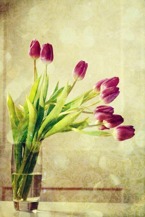 Винтажные фиолетовые тюльпаны бесплатная иллюстрация
