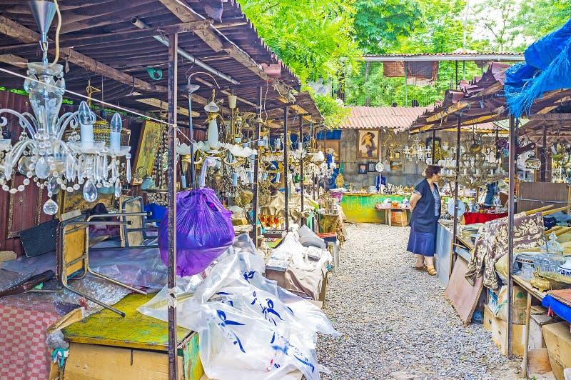 Винтажные люстры в блошинном Тбилиси стоковые фотографии rf