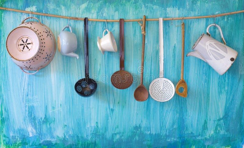 Винтажные utenslis кухни, стоковые изображения