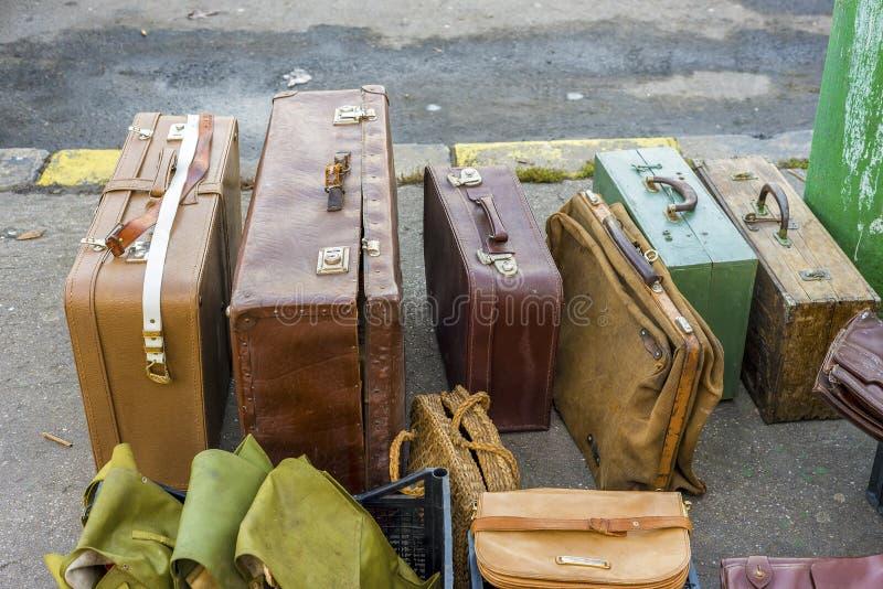 Винтажные valises перемещения стоковые изображения rf