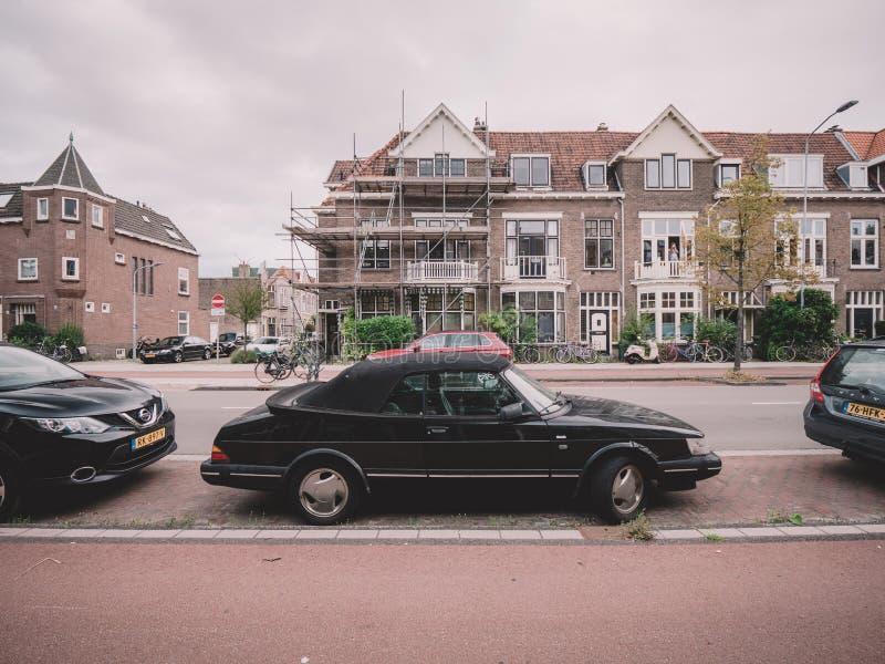 Винтажный автомобиль SAAB припарковал на улице в Нидерланд стоковое изображение rf