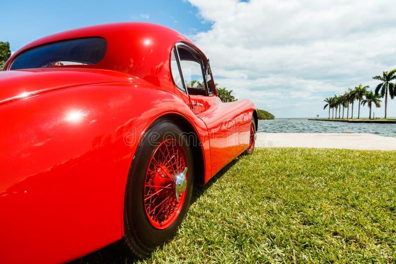 Винтажный автомобиль ягуара стоковая фотография rf