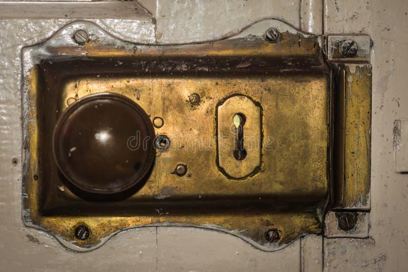 Винтажный латунный ключ замка стоковое изображение rf