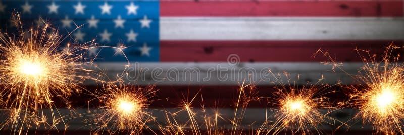 Винтажный деревянный американский флаг стоковое фото rf