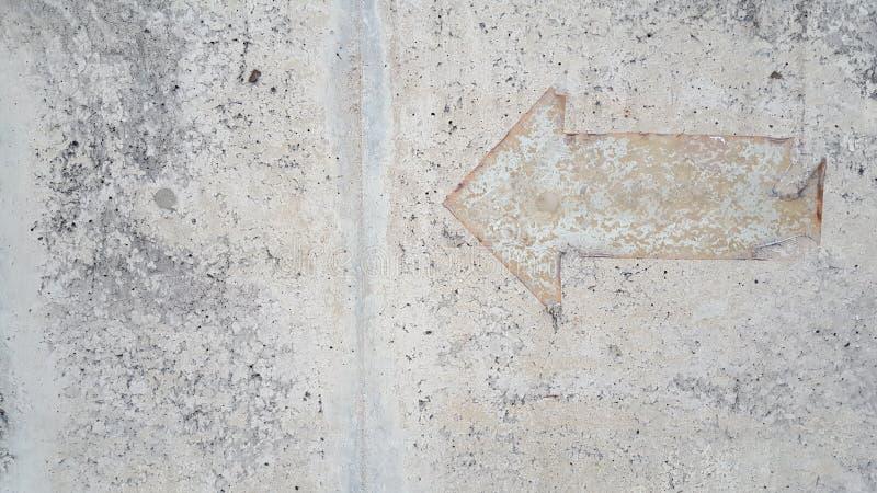 Винтажный знак стрелки на поле миномета стоковое изображение rf