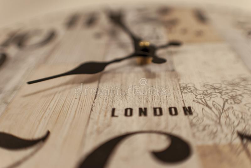 Винтажный лондонец настенных часов стоковые фотографии rf