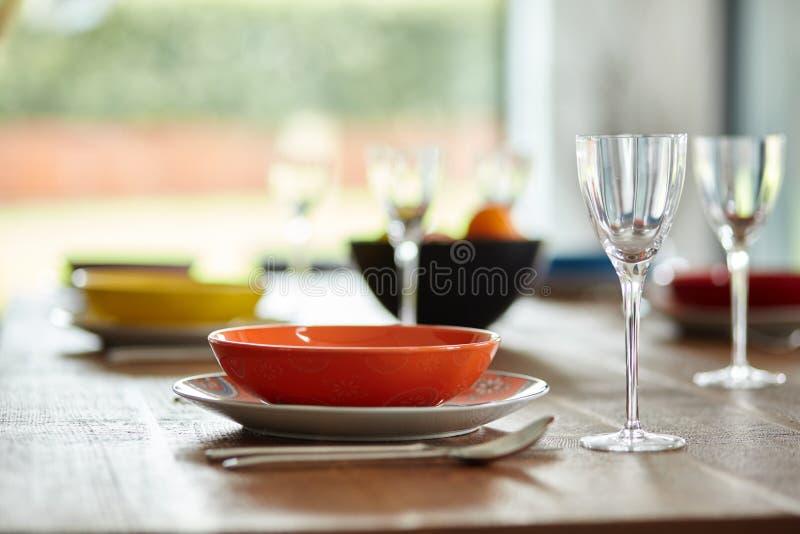Винтажный обеденный стол стоковое изображение rf