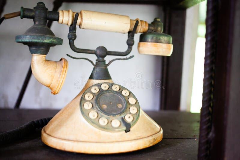 винтажный старый телефон стоковые фото