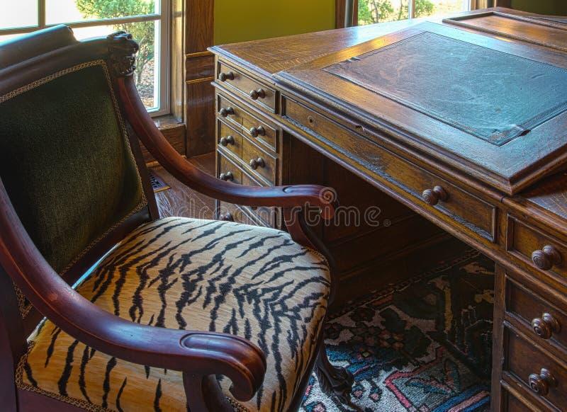 Винтажный стол сочинительства стоковое фото