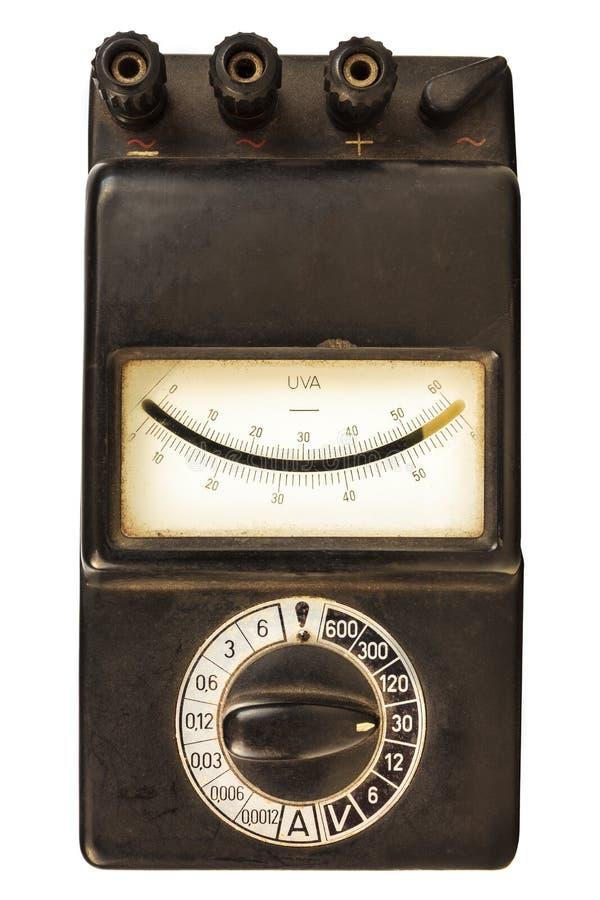 Винтажный черный метр вольта изолированный на белизне стоковое фото