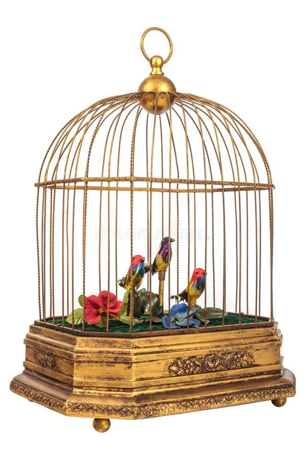 Винтажный birdcage при поддельные маленькие птицы изолированные на белизне стоковые изображения