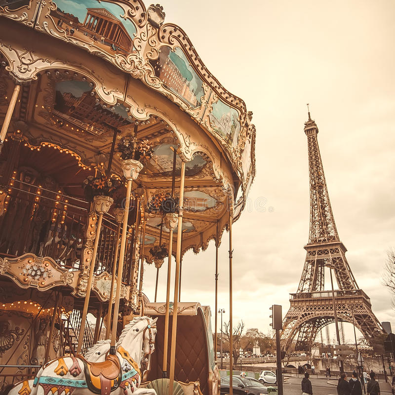 Винтажный carousel в Париже стоковое фото rf