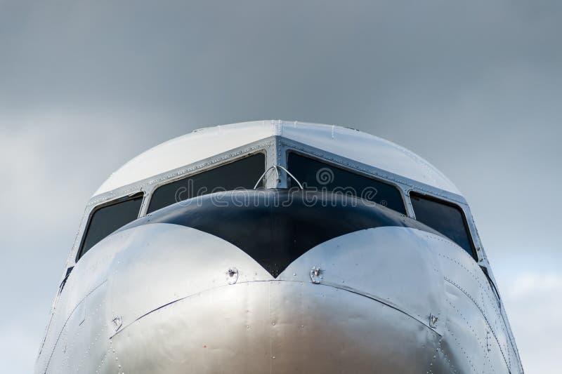 Винтажный DC 3 самолета стоковое фото
