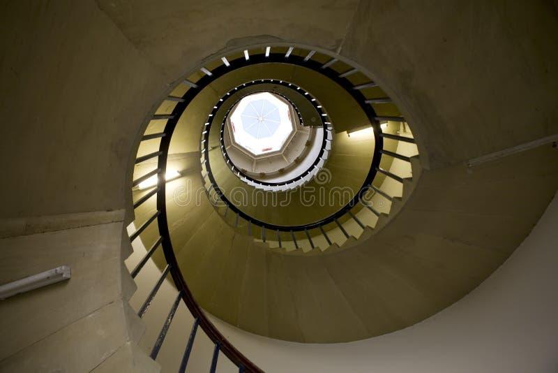 винтовая лестница короля s коллежа стоковые фото