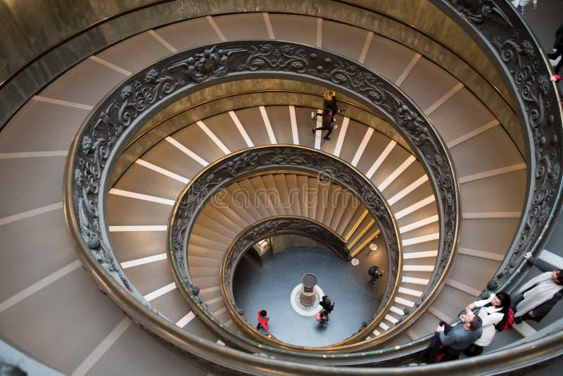 Винтовая лестница музея Ватикана в Риме в Италии стоковое изображение