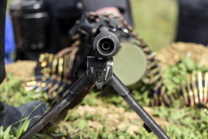 Винтовка оружия mashine с боеприпасами, внешняя стоковое фото