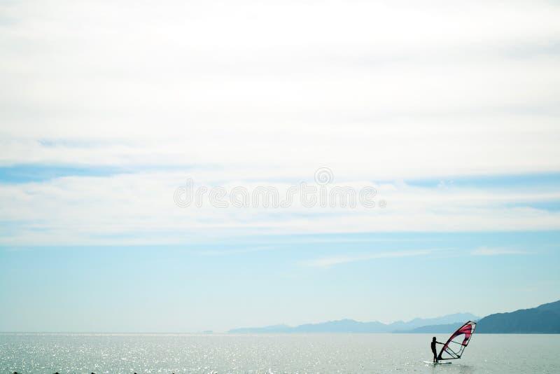 Виндсерфинг - Египет - Dahab - море - небо стоковое фото rf