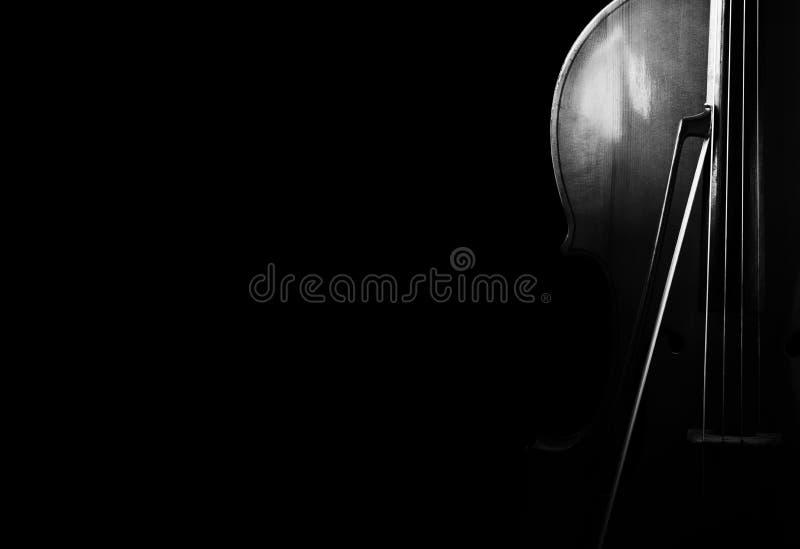 Виолончель на черной предпосылке стоковая фотография rf