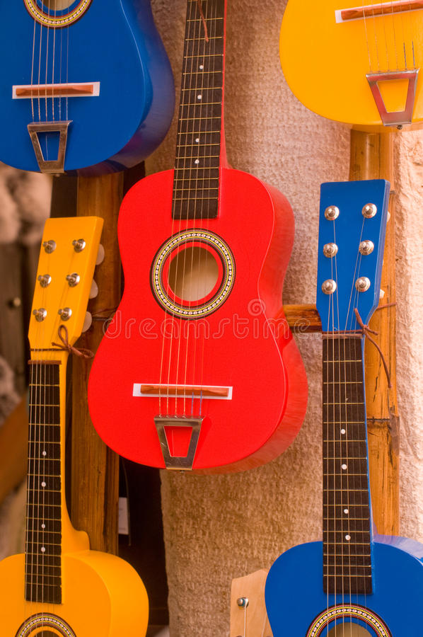 висеть гитар стоковая фотография rf