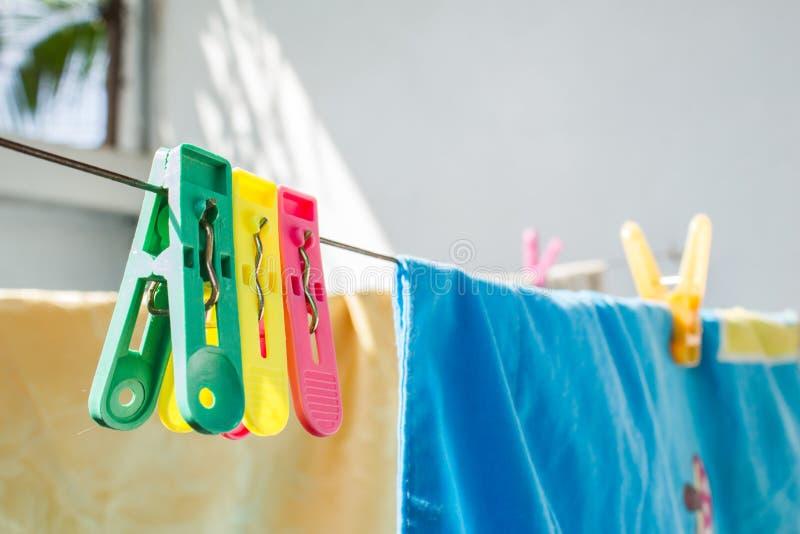Висеть колышков одежд стоковое фото