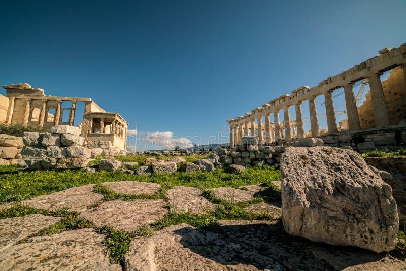Висок акрополя и кариатид Парфенона Афин Archaeologica стоковая фотография rf