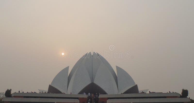 Висок белого лотоса в Дели, Индии стоковая фотография rf
