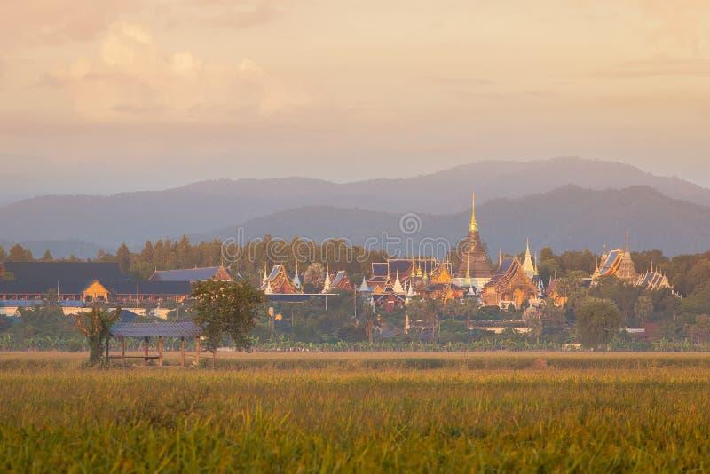 Висок вертепа запрета Wat или вертеп Salee Sri Muangkaen Wat в Чиангмае стоковая фотография