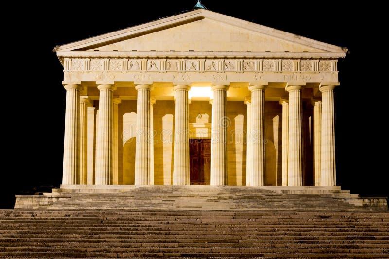 Висок взгляда ночи Canova колонки римские стоковые изображения rf