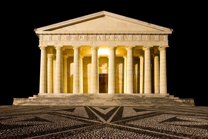 Висок взгляда ночи Canova колонки римские стоковое изображение