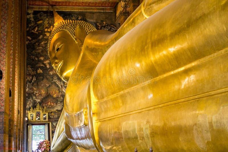 Висок возлежа Будды стоковая фотография rf