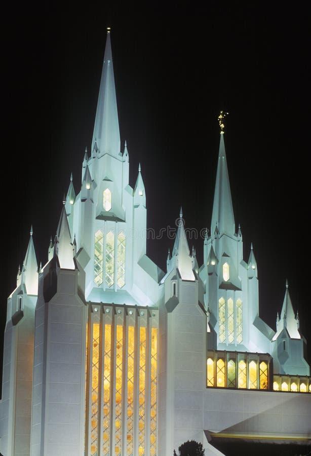 Висок Мормона на ноче в северном Сан-Диего Калифорнии стоковые фото