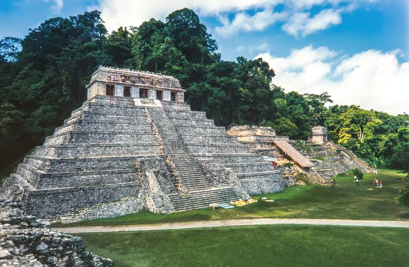 Висок надписей на майяских руинах Palenque Чьяпас, стоковые фотографии rf