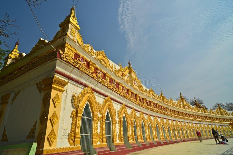 Висок на холме Sagaing, Мьянме. стоковое фото