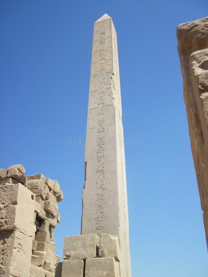 висок обелиска karnak Египета стоковое изображение