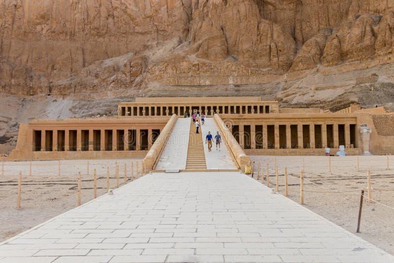 Висок покойницкой Hatshepsut, также известный как Djeser-Djeseru в Луксоре, Египет стоковое изображение