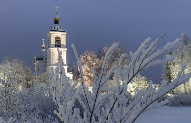 Висок, собор, крест, ортодоксальность, значки, купол, зима, снег стоковая фотография rf
