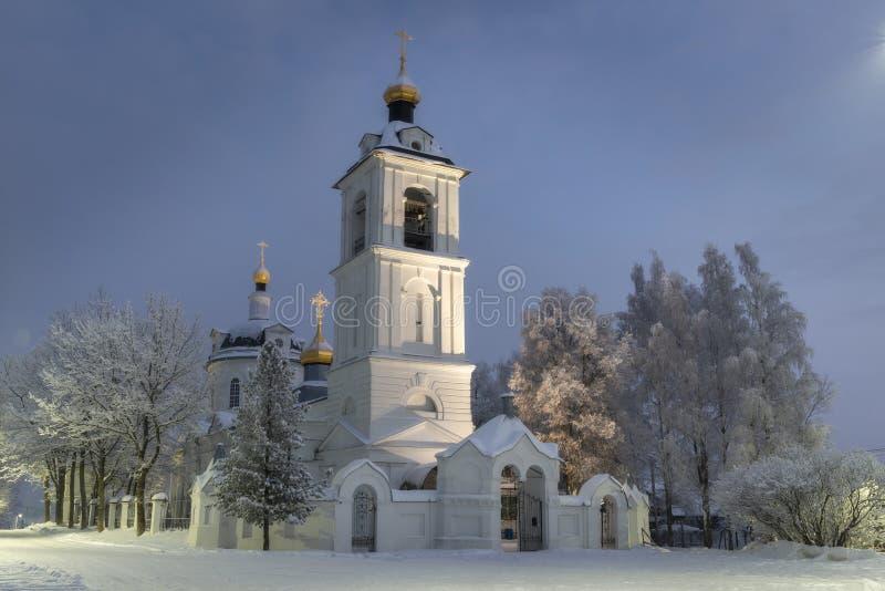 Висок, собор, крест, ортодоксальность, значки, купол, зима, снег стоковые изображения