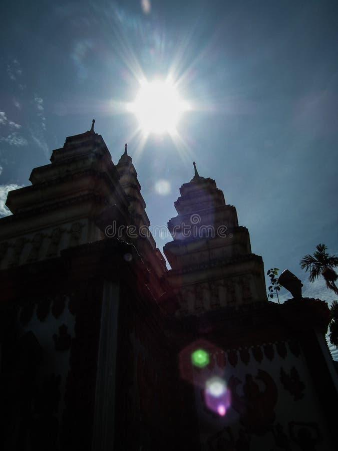 Висок солнца рая сверх в Sisaket Таиланде стоковые фотографии rf