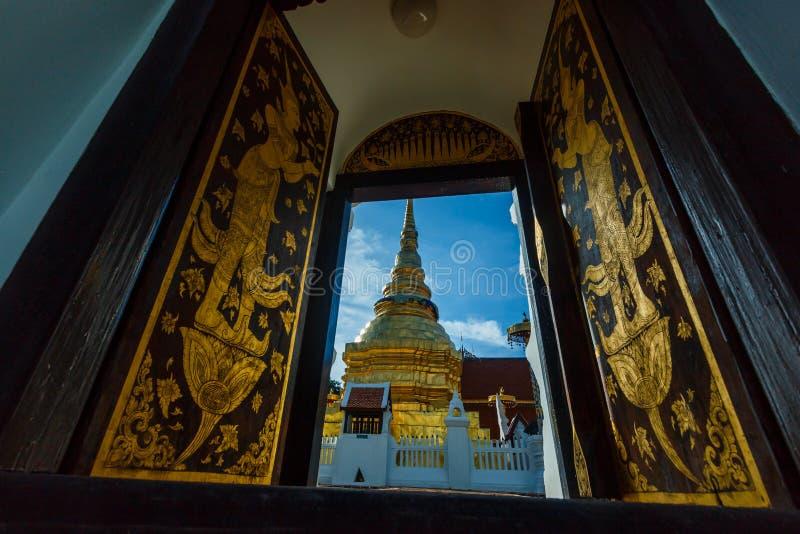 Висок Таиланда, висок Таиланда ` Wat Pong Sanuk ` стоковые изображения rf