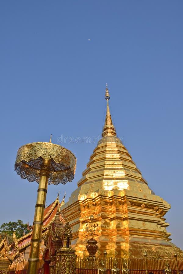 Висок Чиангмай Wat Phrathat Doi Suthep, Таиланд стоковая фотография rf