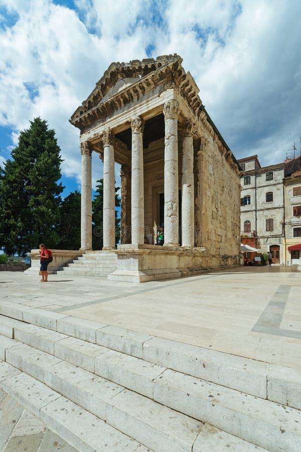 Висок Augustus в форуме на пулах Хорватии стоковая фотография