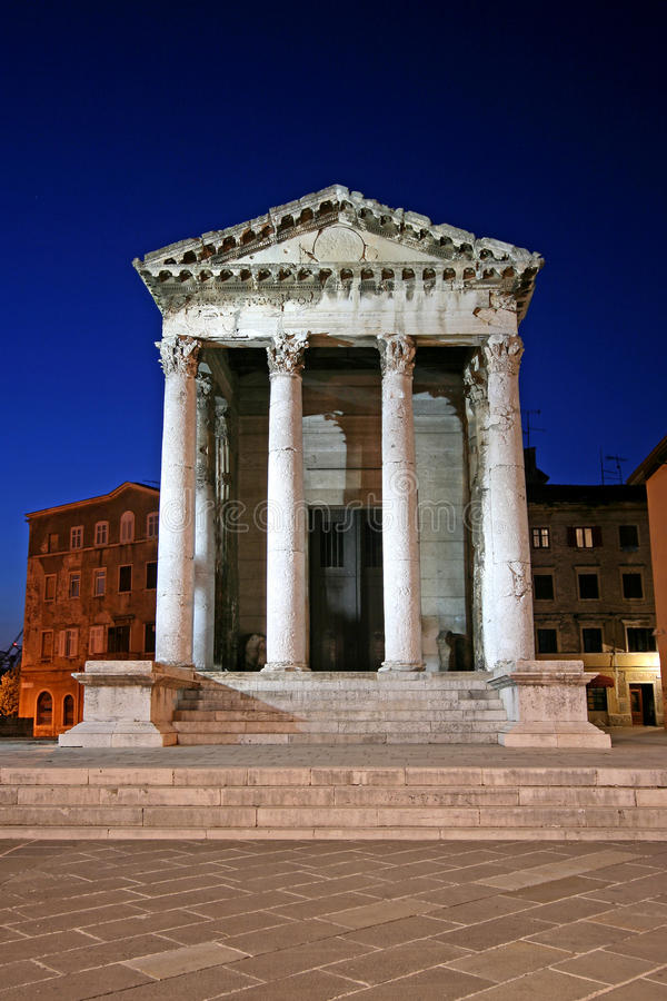 Висок Augustus в Pula стоковая фотография rf